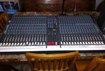 Soundcraft LX7 32 channel sound board