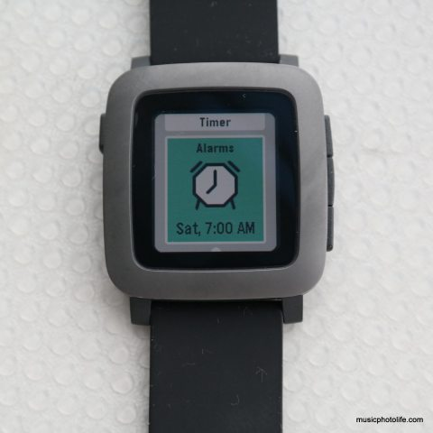 Pebble Time Alarm screen