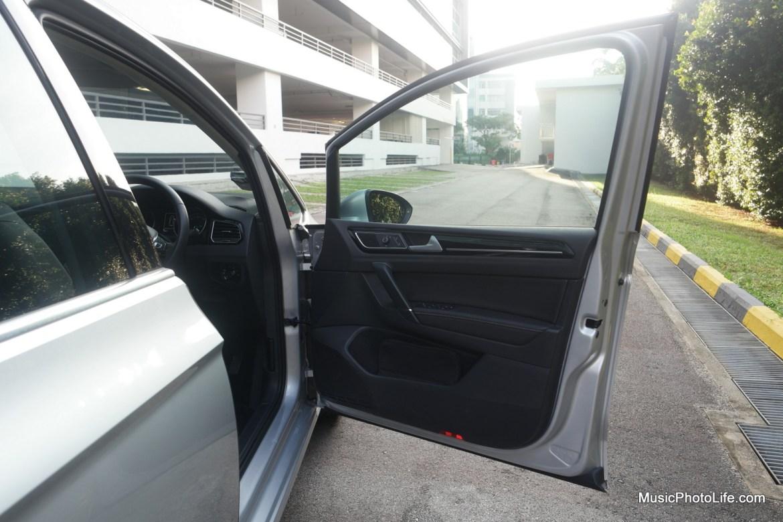 Volkswagen Sportsvan driver door