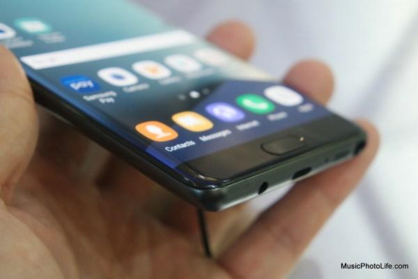Samsung Galaxy Note7 bottom corner