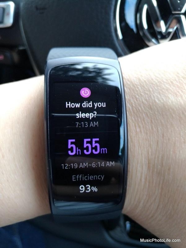Samsung Gear Fit2 displays sleep quality