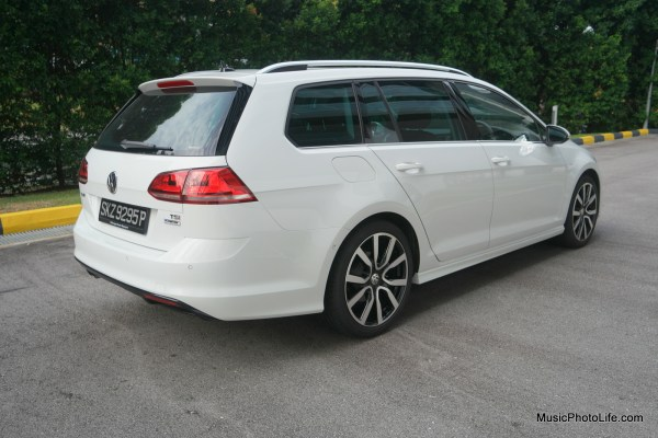 Volkswagen Golf Variant rear view - review by musicphotolife.com