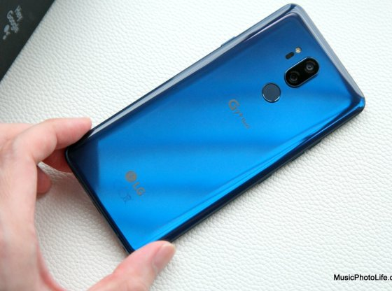LG G7+ ThinQ review by musicphotolife.com