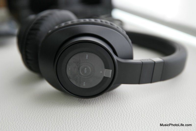 Creative Outlier Black headphones review by musicphotolife.com