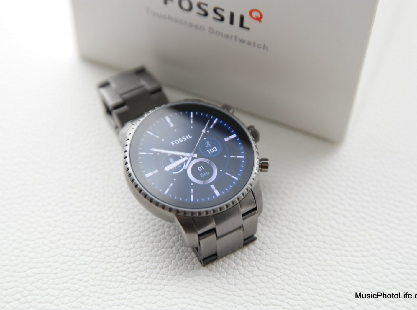 Fossil Q Explorist HR Review: Smartwatch with Iconic Fossil