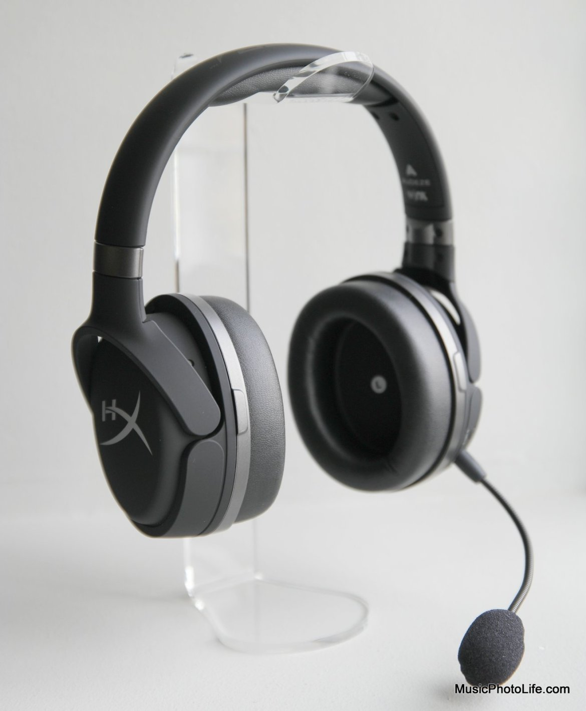 HyperX Cloud Orbit S 3D surround gaming headphones with Waves NX head tracking technology