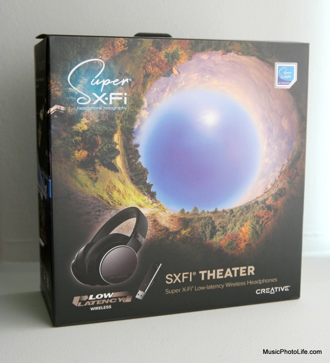 Creative SXFI Theater headphones box
