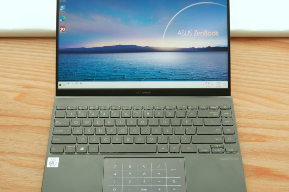 ASUS ZenBook 14 UX425 review by Music Photo Life, Singapore Tech Blog