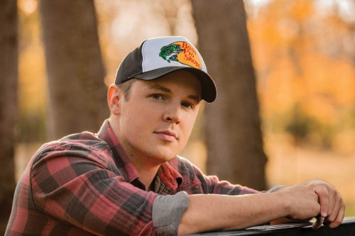 Travis Denning - After A Few, locul unu la Country Airplay