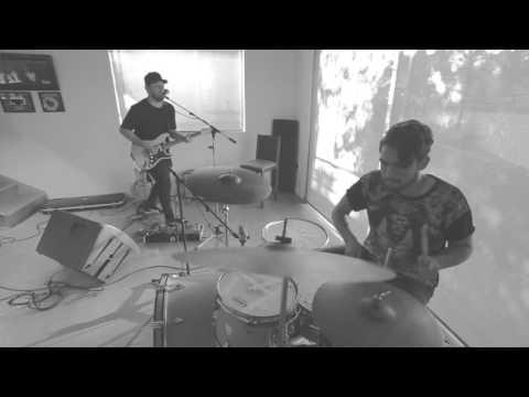 UN TRIÁNGULO | Live Session