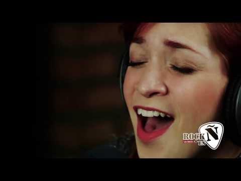 """Laura Guevara – """"Yo sabía"""" en vivo – #SesionesEnÑ / Rock en Ñ"""