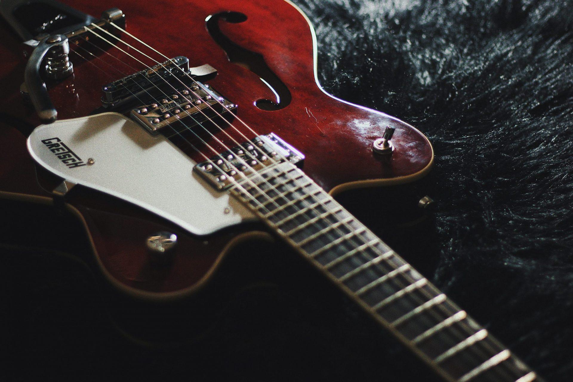 Best Hollow Body Guitars Under $1000