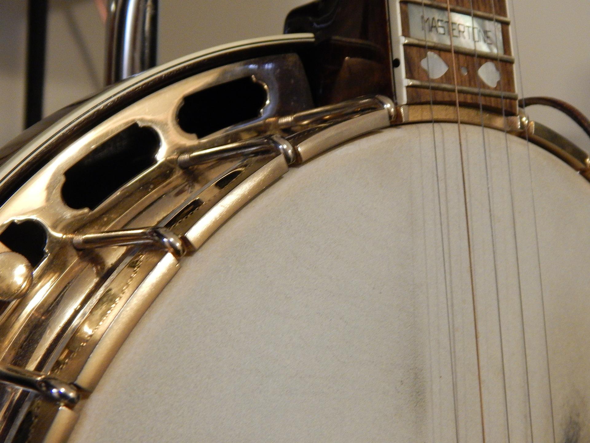 5 String vs 4 String vs 6 String Banjos
