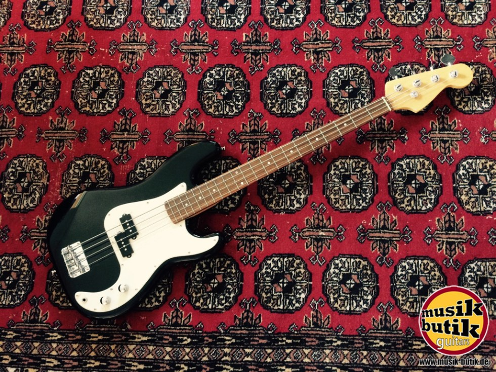 Bass Precision.JPG