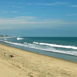 Es ist zwar kaum zu glauben – aber das ist wirklich der Strand von Playas! Mit Pferd. ;)