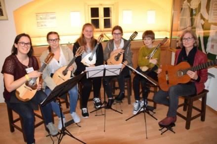 Von links nach rechts: Martina Marangoni, Hannah Schütz, Lisa Steckbauer, Carina Bittmann, Nathalie Steckbauer