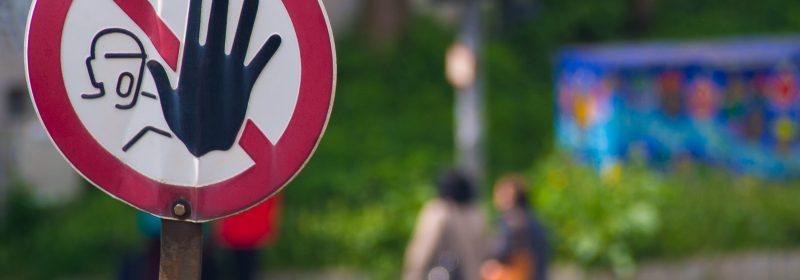 Achtung. Halt! Foto: Hufner