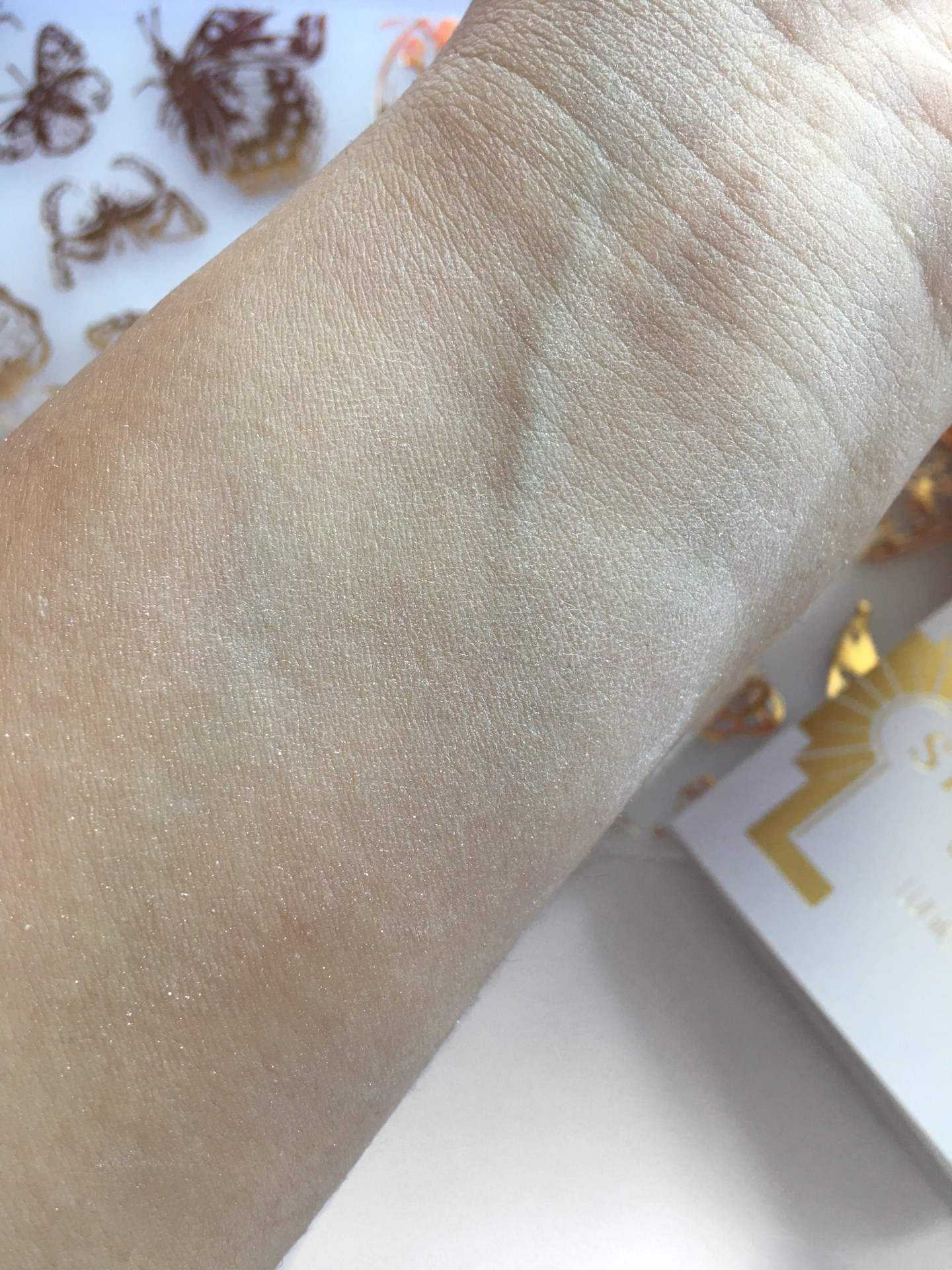 MUA Luxe Shimmer Sheets White Gold Swatch