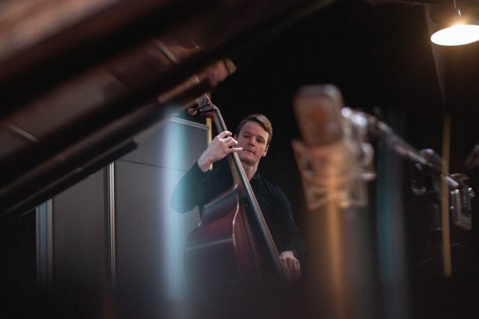 upright bass lessons in Montreal