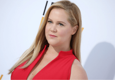 Amy Schumer's sister in law made her a cake of a vagina giving birth