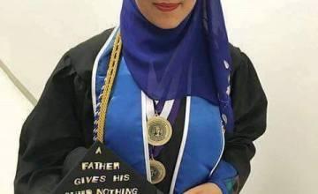 Meet the Muslim Graduate the Internet Thinks is Malia Obama