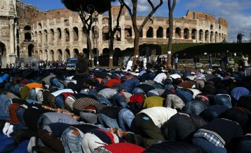 Italian Muslims Protest Against Mosque Ban Near the Colosseum