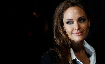 Angelina Jolie Writes Op-Ed Opposing Trump's Immigration Ban
