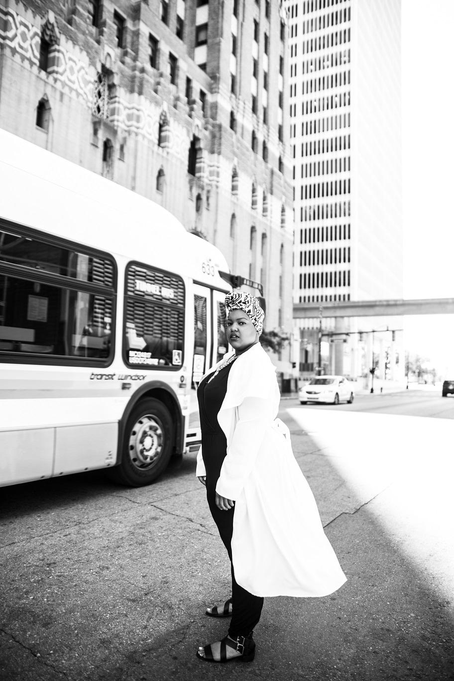 Plus-Size-Detroit-Style-Blogger-Street-Style-Body-Positive-Muslim-Girl-2