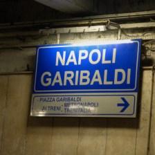 odjeżdżamy ze stacji Napoli Garibaldi