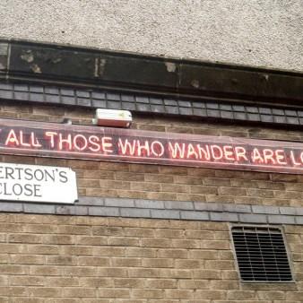 26. Edynburg - neon na jednym z pubów