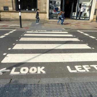 3. Edynburg - jak przejść przez ulicę