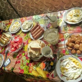 27-gruzinskie-sniadanie