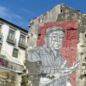 30. Mural przy moście Ludwika I