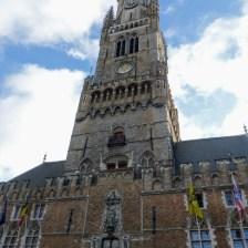 2. Wieża widziana z rynku