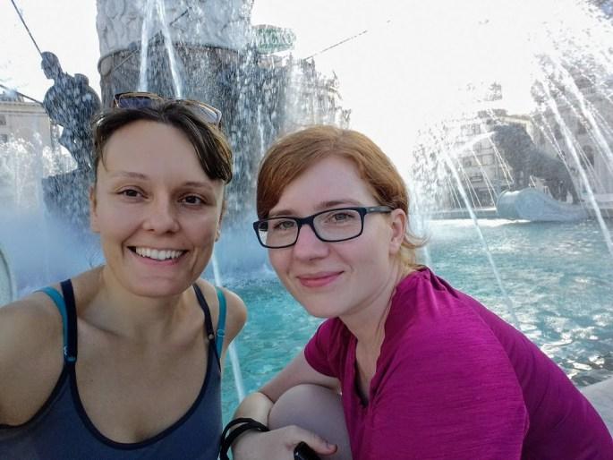 3. Selfie w fontannie