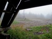 Chwila wytchnienia od deszczu. Odpoczynek pod wiatą