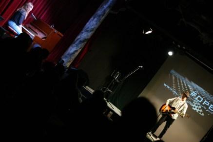 Unser jüngster #evening_hero eröffnet den Abend: Danilo Ehlert mit Lois