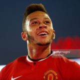 481522958-memphis-depay-of-manchester-united-gestures-gettyimages[1]