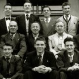 Sport, Football, pic: 1953 - 1954, Manchester United Youth Team in Bangor,Northern Ireland at the Hotel Pickie, Back row, l-r, Ian Greaves, Walter Whitehurst, Tommy Barratt, Gordon Clayton, Alan Rhodes, Paddy Kennedy, Brace Fulton, Hotel Manager (name unknown), Middle row, l-r, Eddie Lewis, Bill Inglis (Trainer), Jimmy Murphy, Bert Whalley, Noel McFarlane, Front row, l-r,Sammy Chapman, Eddie Colman, Duncan Edwards, Billy Whelan, Albert Scanlon  (Photo by Popperfoto/Getty Images)
