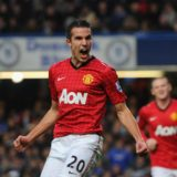 LONDON, ENGLAND - OCTOBER 28:  Robin van Persie of Manchester United celebrates scoring the second goal during the Barclays Premier League match between Chelsea and Manchester United at Stamford Bridge on October 28, 2012 in London, England.  (Photo by Michael Regan/Getty Images)