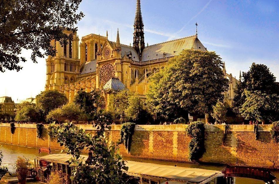 Cathédrale Notre Dame de Paris   Paris Travel Tips