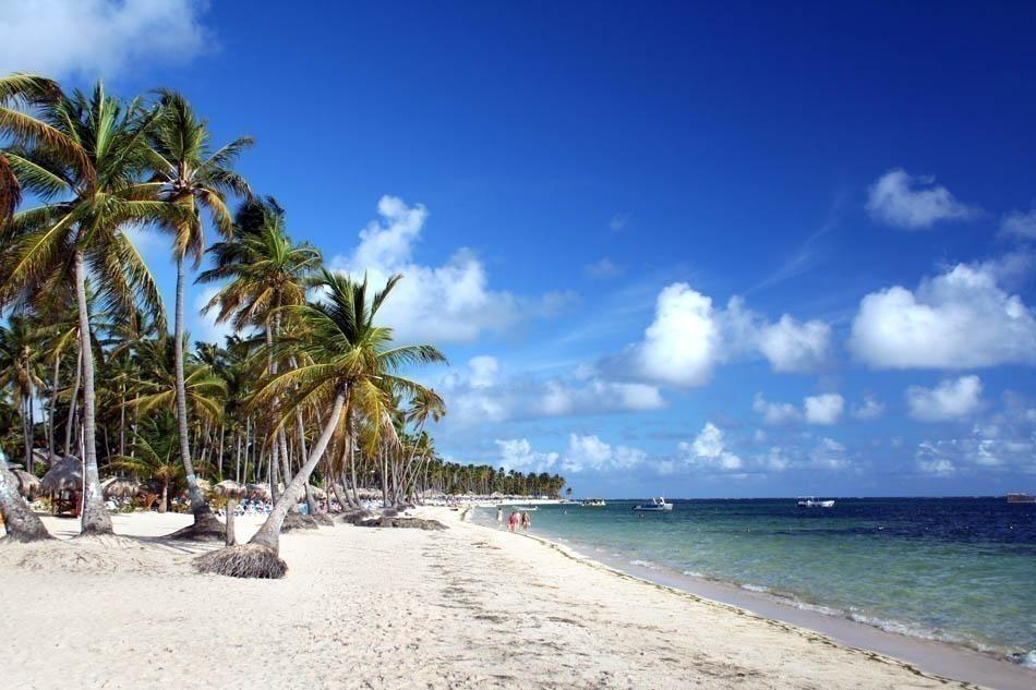 Beautiful Resort Beach in Punta Cana | Dominican Republic Free Travel Guide