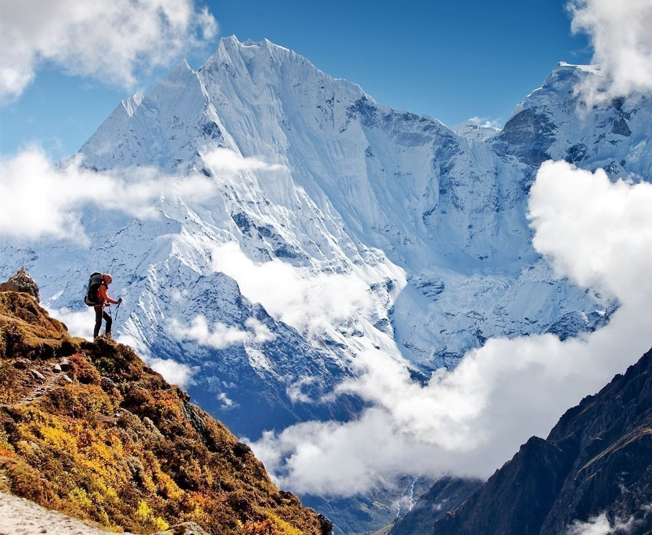 Hiking in Himalaya mountains | Top 10 Backpacking Destinations Around the World