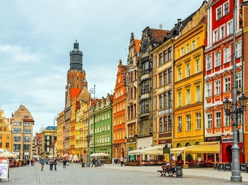Architectue of the Market square in Wroclaw Poland | 10 of the Most Colorful Cities in the World