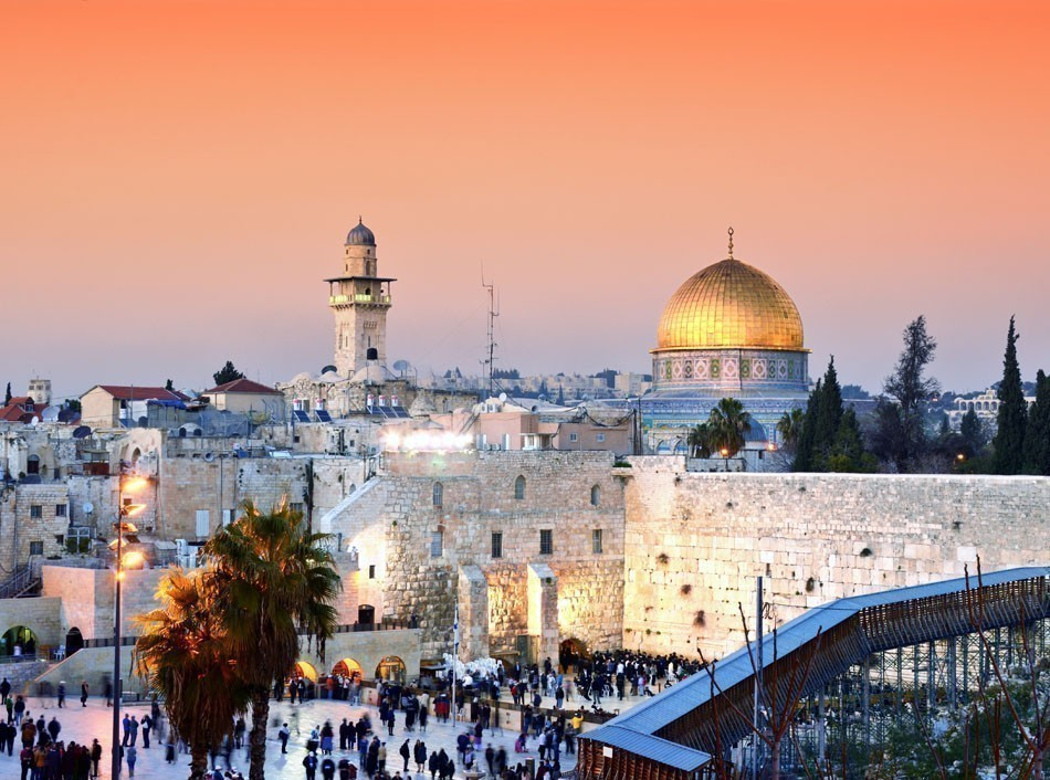 Jerusalem's most recognizable landmark, the Dome of the Rock | 10 Incredibly Places of Worship in the World