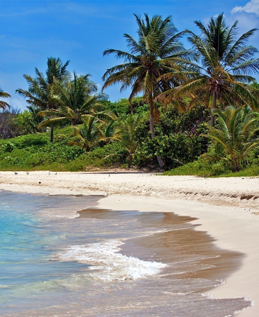 The breathtaking Flamenco beach on the Puerto Rican island of Culebra | Puerto Rico Travel Guide