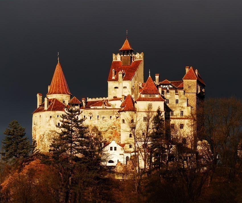 Beautiful View of Bran Castle, Transylvania - known for the story of Dracula | 5 Reasons Why Romania is the Country Every Traveler Needs to Visit