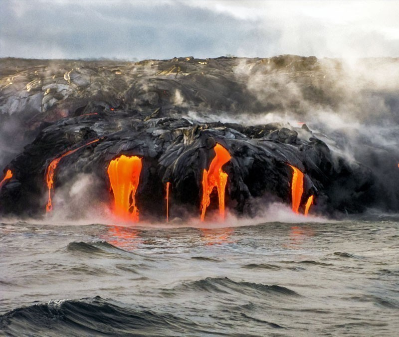 Sea view of Kilauea Volcano in Big Island, Hawaii, United States. A restless volcano that has been in business since 1983. | 10 Wonders Of The World You Have To Visit