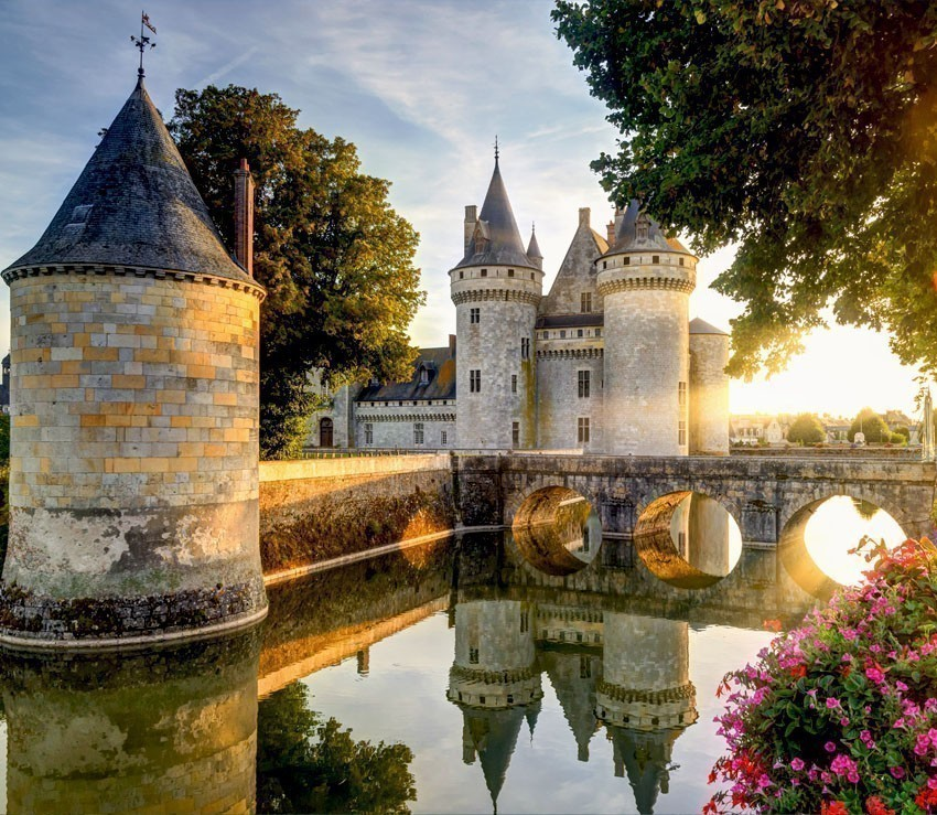 The chateau of Sully-sur-Loire. This castle is located in the Loire Valley, dates from the 14th century | France Travel Guide