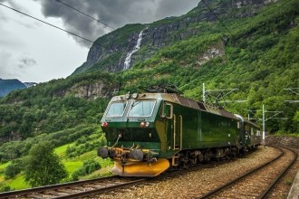 7 Most Exciting Train Rides To Experience Before You Die